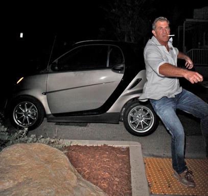 Mel-Gibson-Smart-Car